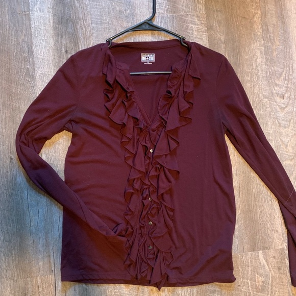 Converse Tops - Converse fitted button up blouse